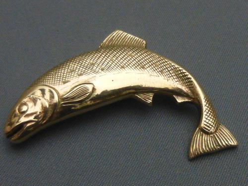 9ct gold salmon brooch (1 of 5)