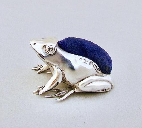 George V Silver Frog Pin Cushion by Adie & Lovekin, Birmingham 1910 (1 of 6)