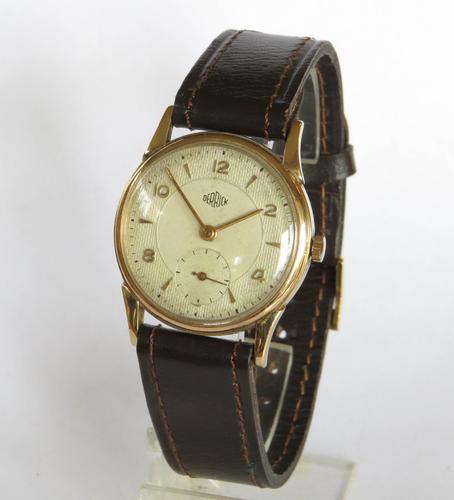 Gents 9ct Gold Derrick Wrist Watch, 1953 (1 of 5)