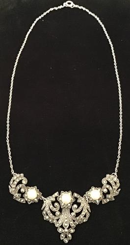 Silver and Marcasite Vintage Necklace. (1 of 4)