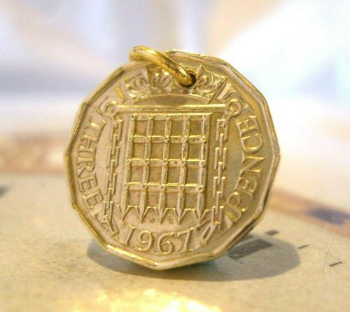 Vintage Pocket Watch Chain Fob 1967 Queen Elizabeth Threepenny Bit Old 3d Coin Fob (1 of 4)