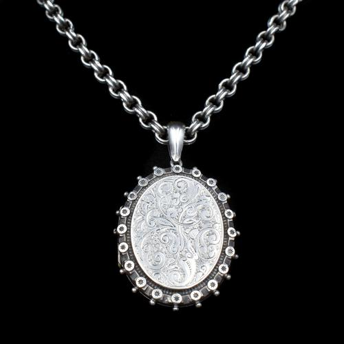 Antique Aesthetic Large Sterling Silver Locket with Belcher Chain Collar (1 of 11)