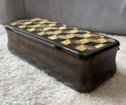 Early Victorian Horn Inlaid Snuff Box (1 of 11)