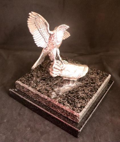 Silver Falcon on Glove by Alberty Joyeros (1 of 6)