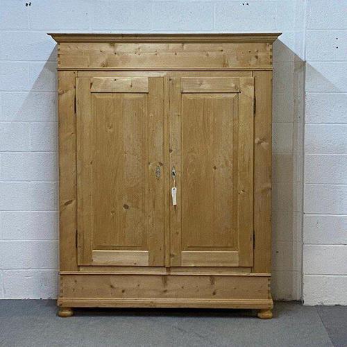 Large Antique Pine Wardrobe c.1900 - Dismantles (1 of 4)