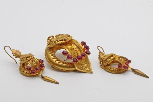 Victorian Pinchbeck Brooch & Ear Ring Set (1 of 3)