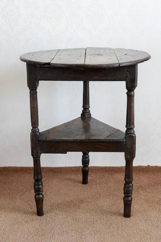 Late 17th or Early 18th Century Cricket Table in Unrestored Condition (1 of 7)