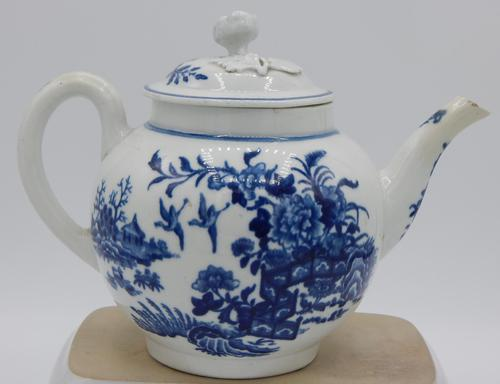 First Period Worcester Fence Pattern Teapot (1 of 6)