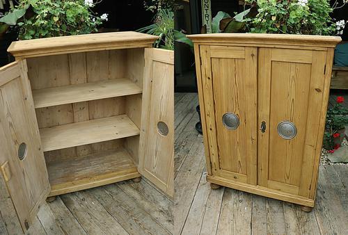Lovely Old Stripped Pine Food Cupboard / Linen / Larder / Storage  - We Deliver! (1 of 9)