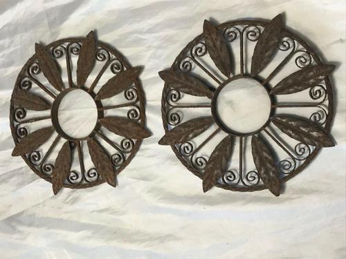 Pair of Rusted Antique 19th Century Spanish Wrought Iron Wall Roundels Sculptures (1 of 12)