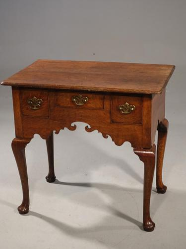 Very Attractive Mid 18th Century Oak 2-Drawer Lowboy (1 of 6)