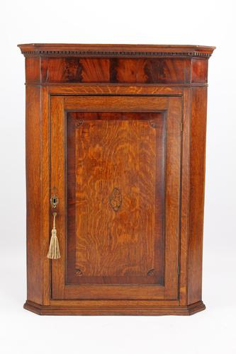 Georgian Oak Corner Cupboard with Britannia Inlay (1 of 13)