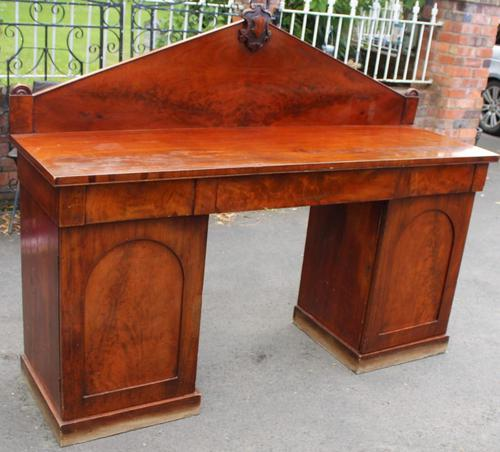 1900's Large Mahogany Dog Kennel Sideboard with Back (1 of 4)