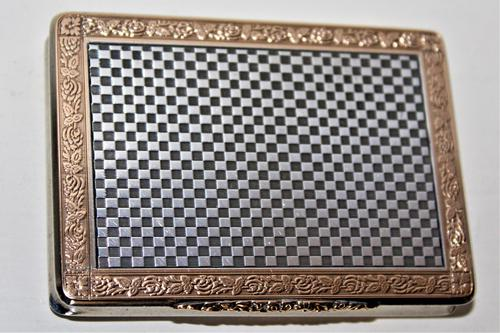 Superb & Extremely Smart Silver & Gold Snuff Box which has a very attractive chequered finish on the silver (1 of 8)