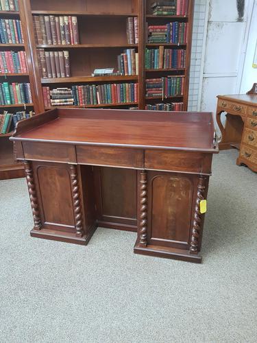 Victorian Desk (1 of 6)