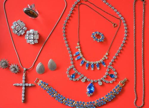 Excellent Vintage Collection of 50s Jewellery  - Ideal Gift / Present (1 of 7)