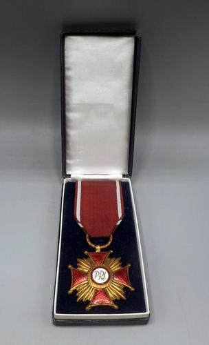 Poland - Order of Merit 1st Class - In Fitted Box (1 of 4)