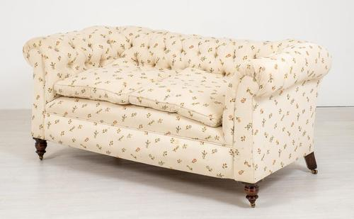 Victorian Deep Buttoned Upholstered Chesterfield (1 of 6)