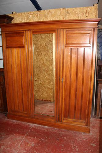 1920s Large 3 Door Mirrored Walnut Wardrobe (1 of 4)