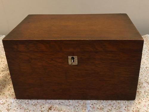 Small Oak Box - Possibly A Tea Caddy (1 of 8)