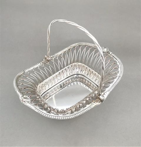 Superb George IV Old Sheffield Plate Fruit / Bread Basket (1 of 4)