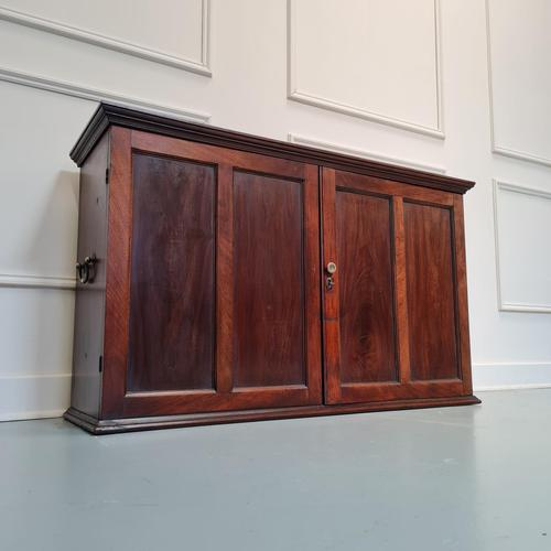 Quality Georgian Mahogany Estate Cupboard c.1800 (1 of 8)