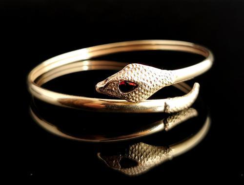 Vintage 9ct Gold Snake Bangle, Garnet (1 of 13)