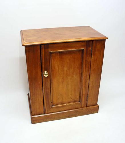 Small Victorian  Mahogany Cupboard (1 of 14)
