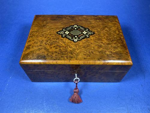 French 19th Century Burr Cedar Box. (1 of 14)