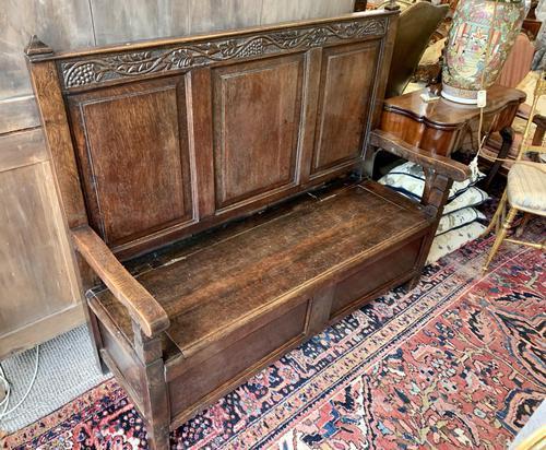 Late 18th Century Box Seated Oak Settle (1 of 19)