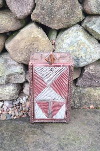 Scandinavian / Swedish 'Folk Art' painted & geometric chip-carved timplåda / sliding-lid box early 19th Century. (1 of 11)