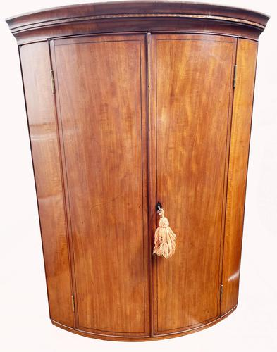 A Lovely George III Mahogany Bowfronted Hanging Wall Corner Cabinet (1 of 6)