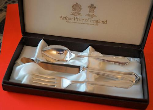 Vintage Arthur Price E.P.N.S. Childs Knife, Fork & Spoon Boxed Set - Ideal Gift / Present (1 of 5)