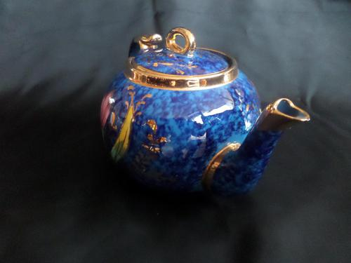 Beautiful 1930's Tea Pot. Decorated so well. Believed Sadlers (1 of 6)
