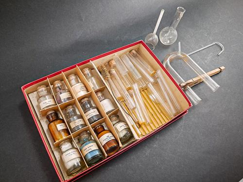 Chemkit Chemistry Set (1 of 3)