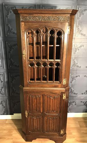 Gothic Style Oak Corner Cabinet (1 of 14)