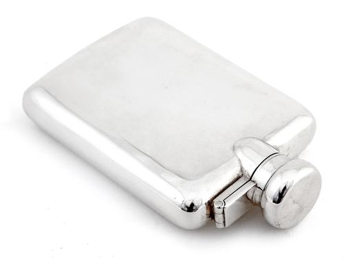 Antique Plain Body Silver Hip Flask with a Bayonet Style Hinged Lid (1 of 5)