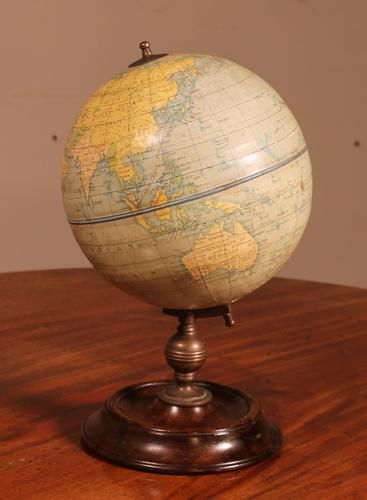 English Globe With Its Wooden Base - Early 20th Century (1 of 7)