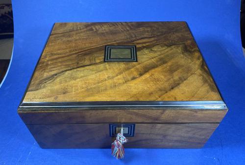 Victorian Walnut Jewellery Box (1 of 12)