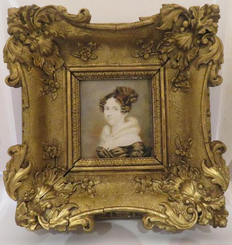 1820 Hand Painted Miniature Portrait Swept Gilt Frame (1 of 4)