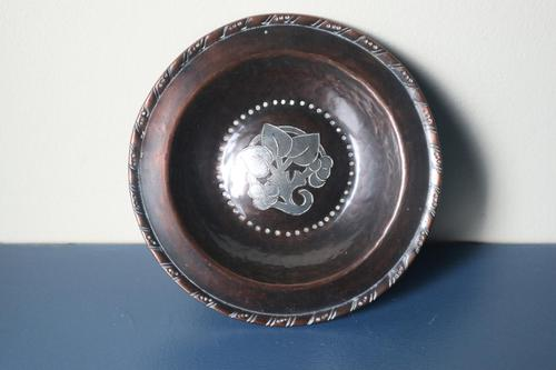 Arts & Crafts, Hugh Wallis Hammered Copper & Pewter Floral Inlay Dish c.1912. (1 of 22)