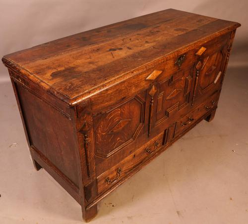 Early 18th Century Dower Chest in Oak (1 of 9)