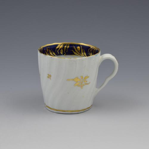 Chamberlain Worcester Porcelain Spiral Fluted Coffee Can Pattern 273 (1 of 6)