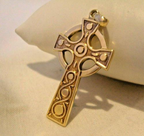 9ct Gold Large Celtic Cross Religious Pendant 2002 London 4.5cm Length 7.1 Grams (1 of 11)