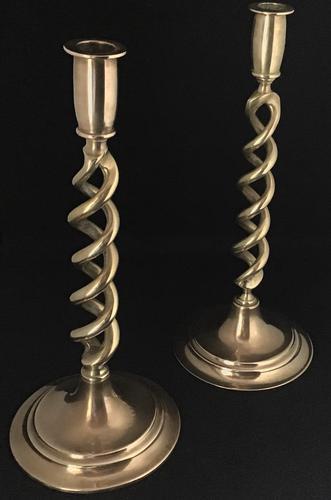 Pair of  Late Victorian Brass Spiral Candlesticks (1 of 5)