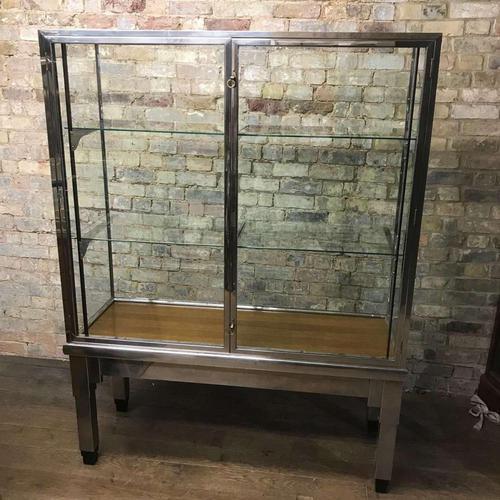 1930s Original Art Deco Cabinet (1 of 4)