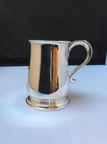 Delightful Solid Silver 1/4 Pint Tankard (1 of 5)