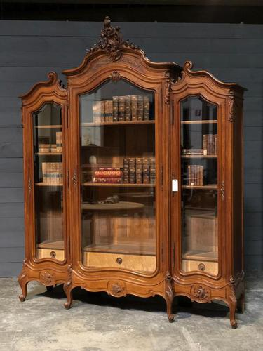 Wonderful French Walnut Bookcase or Cabinet (1 of 25)