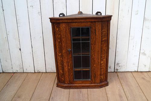 Oak Corner Cupboard (1 of 9)