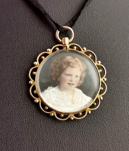 Antique Mourning Locket, Hairwork Pendant, 9ct Gold (1 of 10)